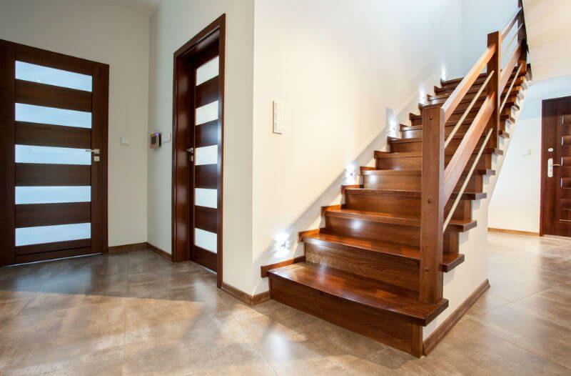 scari din lemn de interior